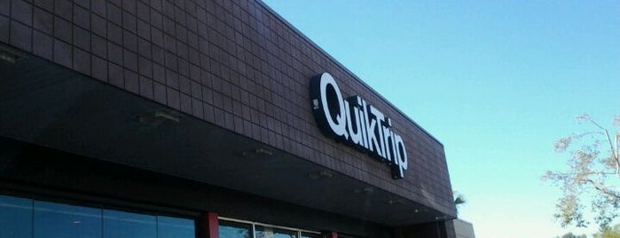 QuikTrip is one of Dawna 님이 좋아한 장소.