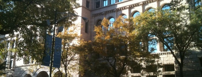 Newberry Library is one of Buy Local Guide: Chicago's Independent Bookstores.