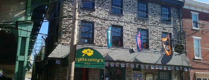JD McGillicuddy's is one of Lieux qui ont plu à Maddie.