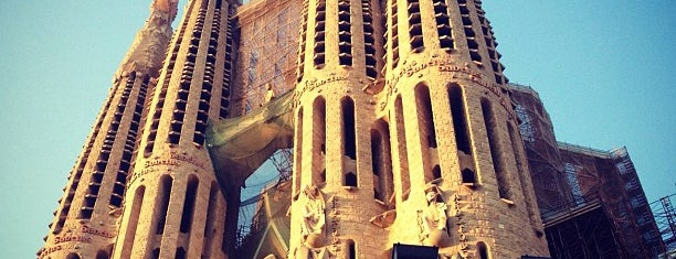Sagrada Família is one of Lugares para volver siempre.
