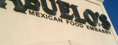 Abuelo's Mexican Restaurant is one of สถานที่ที่ Kyle ถูกใจ.