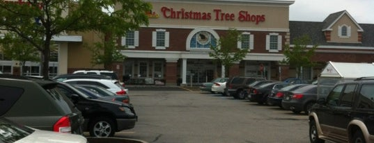 Christmas Tree Shops is one of Jamiさんのお気に入りスポット.