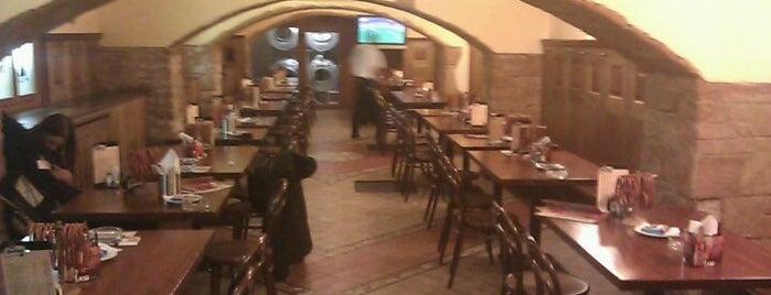 Švejk restaurant U Zeleného stromu is one of Locais salvos de Dmitriy.