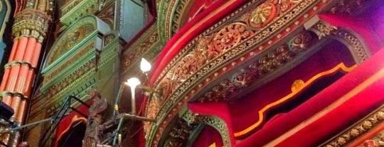 The Grand Theatre is one of Posti che sono piaciuti a Victor.