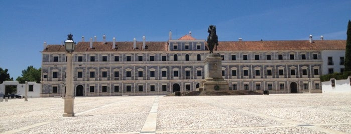 Paço Ducal de Vila Viçosa is one of Lugares favoritos de Michael.