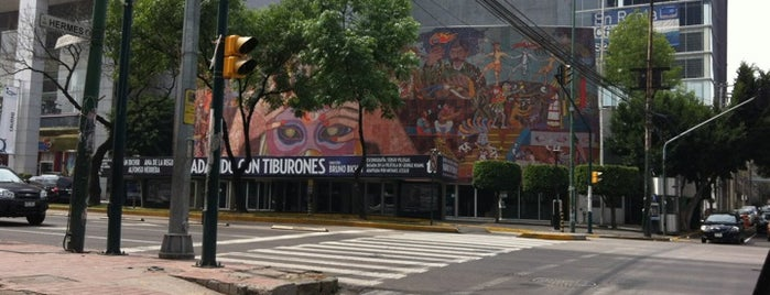 Teatro de los Insurgentes is one of Teatros.