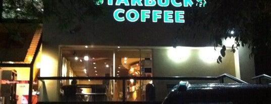 Starbucks is one of Lugares favoritos de Roberta.