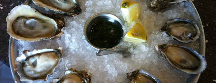 Hog Island Oyster Co. is one of San Francisco To Do List.