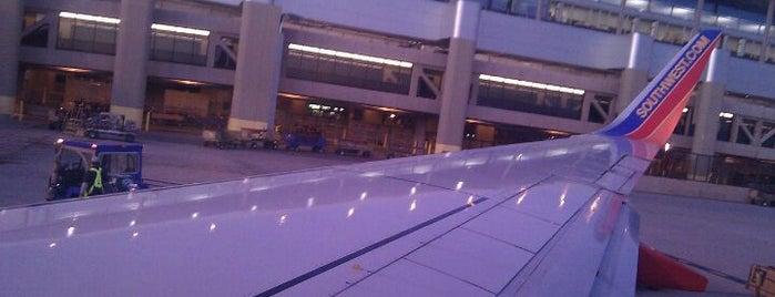 Aeropuerto Internacional Sky Harbor (PHX) is one of Airports - worldwide.