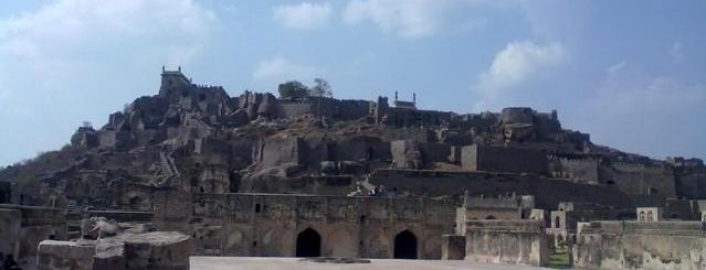 Golconda Fort is one of Locais curtidos por Chris.