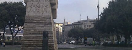 Plaça de Catalunya is one of Lugares de Barcelona.