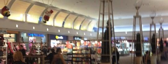 Westland Shopping Center is one of Posti che sono piaciuti a Andrew.
