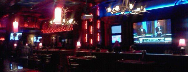 Cadillac Ranch All American Bar and Grill is one of สถานที่ที่บันทึกไว้ของ Albert.
