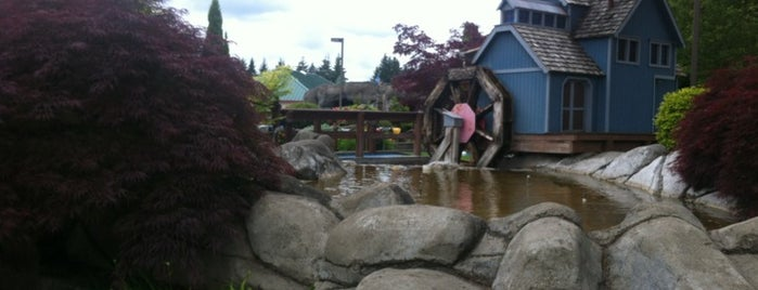 Wilsonville Family Fun Center & Bullwinkle's Restaurant is one of Portland (there's always tomorrow).