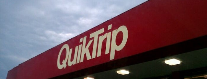 QuikTrip is one of April'in Beğendiği Mekanlar.