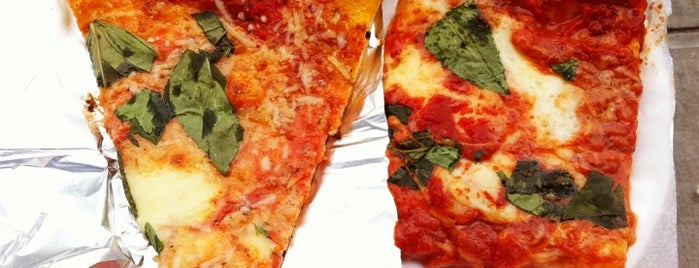 Di Fara Pizza is one of 🗽NYC Pizza.