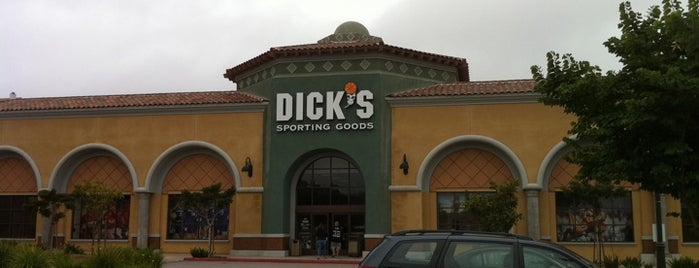 DICK'S Sporting Goods is one of Lieux qui ont plu à Boy.