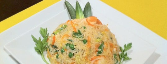 Phuket Thai Restaurante Tailandes is one of Imprescindibles.