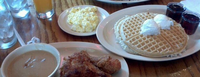 Roscoe's House of Chicken and Waffles is one of Worth the Visit!.
