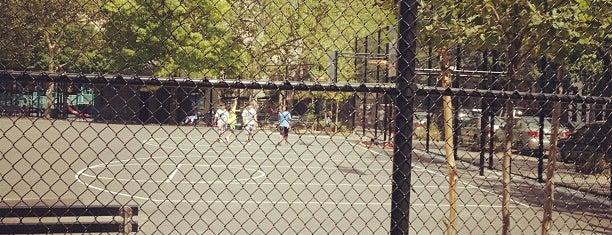 John A. Seravalli Park is one of Posti che sono piaciuti a Sandra.