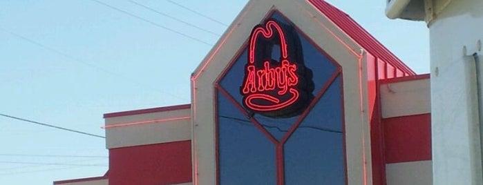 Arby's is one of Lieux sauvegardés par Jenny.