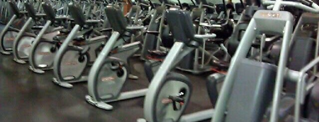 24 Hour Fitness is one of Tempat yang Disukai Keith.