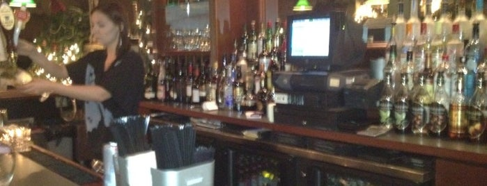 Mulberry Street Restaurant is one of สถานที่ที่บันทึกไว้ของ Mike.