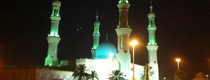 Sheikh Zayed Mosque is one of Dubai.