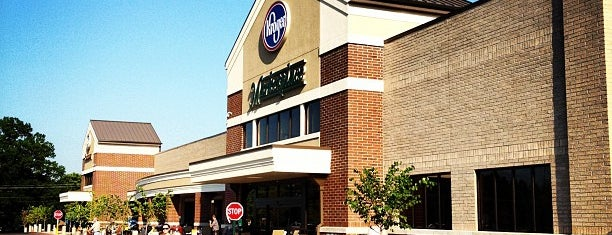 Kroger Marketplace is one of Locais curtidos por Audra.