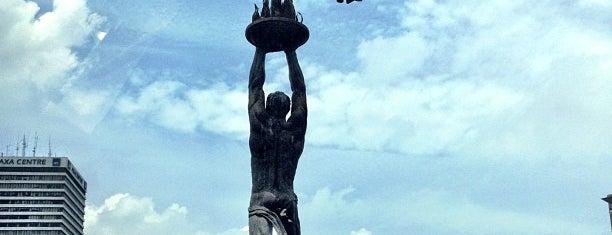 Patung Pemuda Membangun - Bundaran Senayan is one of JAKARTA.