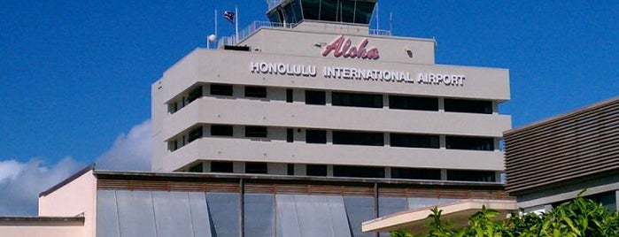 Daniel K. Inouye International Airport (HNL) is one of Arlynne'nin Beğendiği Mekanlar.