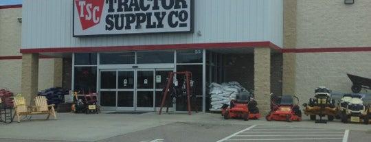 Tractor Supply Co. is one of Will'in Beğendiği Mekanlar.