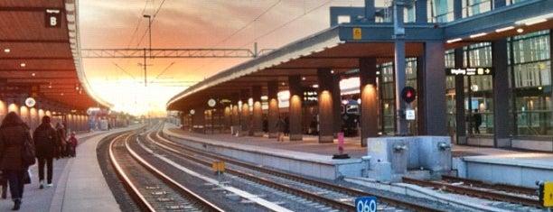 ウプサラ中央駅 (QYX) is one of Hanna Victoriaさんのお気に入りスポット.