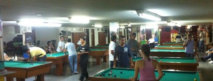 Stranger's Snooker is one of Tempat yang Disukai Thiago.