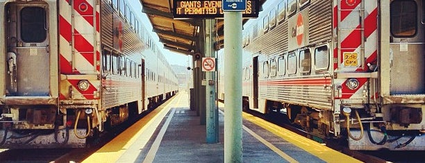 San Francisco Caltrain Station is one of Lieux qui ont plu à Justin.