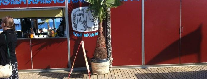 Vai Moana Beach Bar is one of chiringuitos playa barcelona.