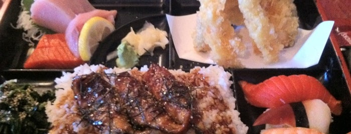 Applause Japanese Restaurant is one of Tempat yang Disimpan Kitty.