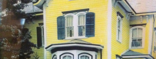 Aaron Burr House Bed & Breakfast is one of Ronnieさんのお気に入りスポット.