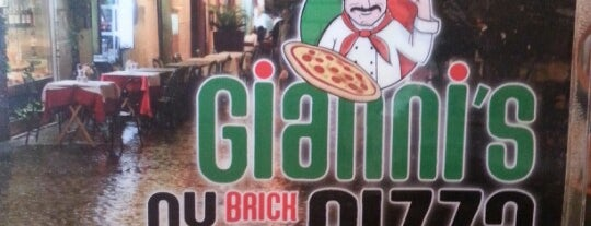 Gianni's NY Pizza is one of Lieux qui ont plu à Jennifer.