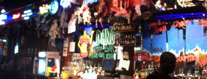 Coyote Ugly Saloon is one of สถานที่ที่บันทึกไว้ของ Shannon.