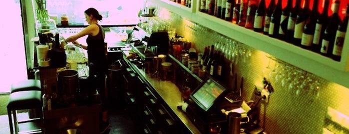 Stout! is one of Best Tea Spots in Amsterdam.