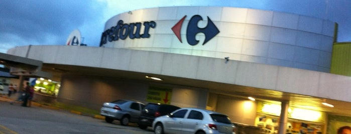 Carrefour is one of Lieux qui ont plu à Lu.