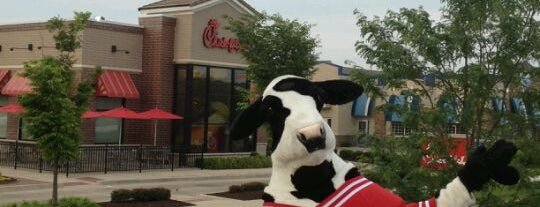 Chick-fil-A is one of Lugares favoritos de Ashley.