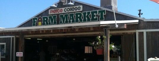 Pierce College: Farm Center is one of สถานที่ที่บันทึกไว้ของ Gabriel.