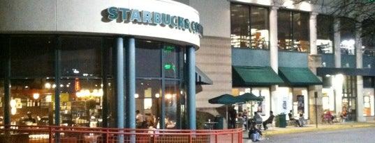 Starbucks is one of Marc Kevin 님이 좋아한 장소.