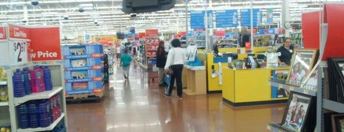 Walmart Supercenter is one of Posti che sono piaciuti a Cdot.