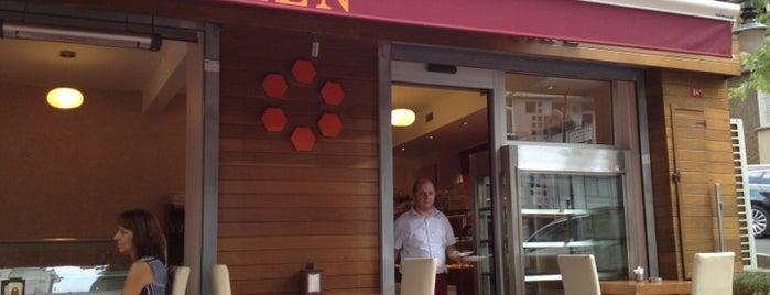Polen Cafe is one of Orte, die Sema gefallen.