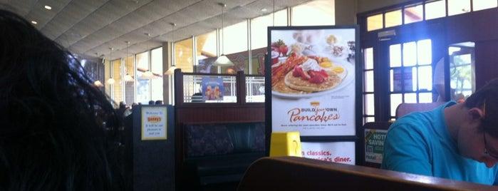 Denny's is one of Locais curtidos por Pame.