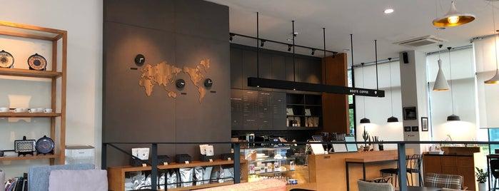 Cafe de CORNER 780 is one of Gyeonggi.