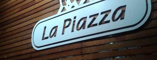 La Piazza is one of Lugares favoritos de Raphaël.